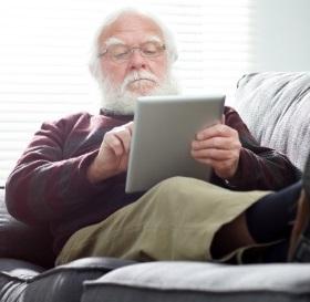 Unbeschwert leben im Alter: Mobil im Internet