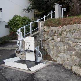 ueberuns-aktuelles-treppenlift-aussen-monthey-titelbild1